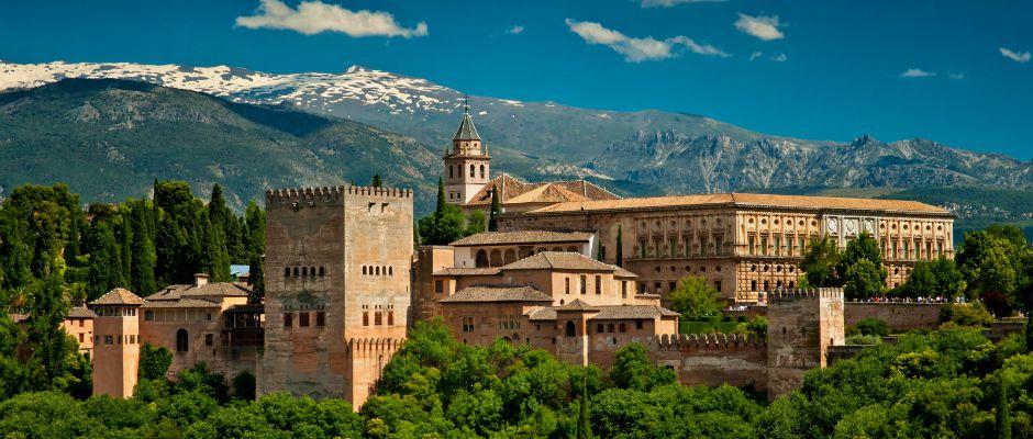 Famous Plaza de la Independencia view, Granada.